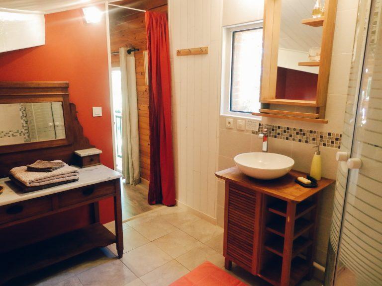 Salle de bain privative de la Chambre des Anges, Chambre d'hôtes à Caraman